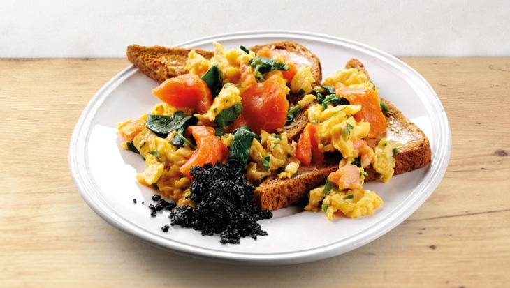 breakfast-salmon-seaweed-scrambled-eggs